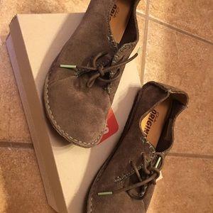 Women's Clark's Moccasin style shoe
